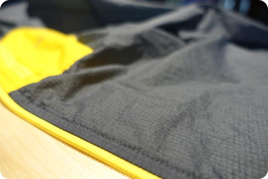 フーディニジャケット防水性