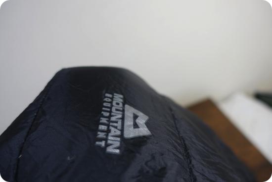 マウンテンイクイップメントのパウダーパンツ