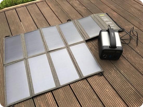 Anker Powerhouse 200のソーラーパネル充電