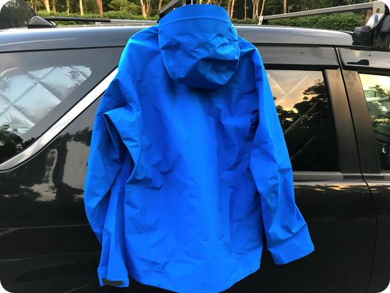 アークテリクスのジャケット「ベータ SL ハイブリッド ジャケット」の特徴や写真をブログレビュー