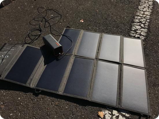 Jackeryのポータブル電源をソーラーパネルで充電